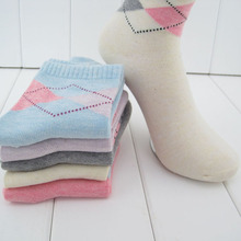 20 pieces=10pairs new design women's socks with high quality Winter Rhombus design media corta socking(China)