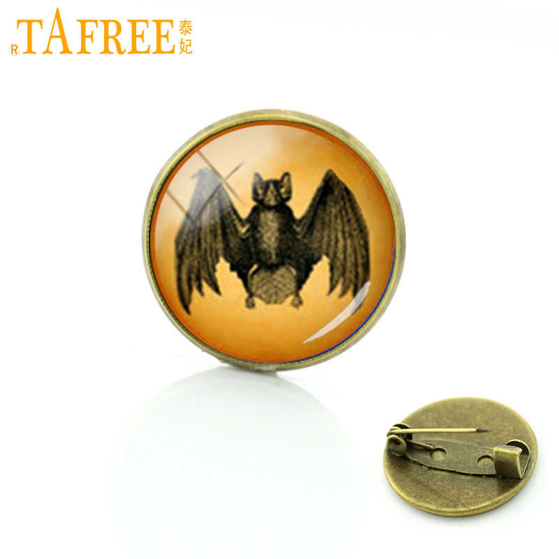 TAFREE Retro Ethnic Style Bat Metal Brooches Pin Classic Vintage Black Vampire Bat Brooches Men Women Badge Wedding Jewelry T546