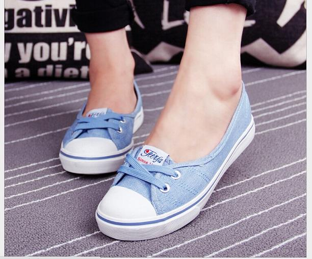Spring Summer Shallow Mouth Woman Casual Shoes Comfortable Causal Slip On Canvas Women Shoes Female Flats Candy ColorsA305 35-40