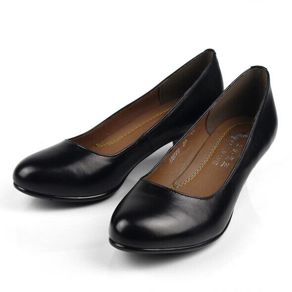 Formato 34 41 Dell ufficio della signora scarpe donna scarpe da lavoro  femminile scarpe nere di cuoio genuini comode pompe tacco medio piccolo  numero di ... c1c8d59a0db