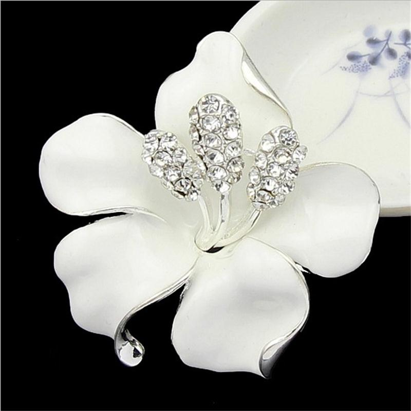 lackingone *2018 christmas gift Enamel Brooch Rhinestone Crystal Lily Flower brooches for women Jewelry Birthday Gift
