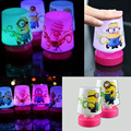 Nueva Minions Pat diseño 110 v LED cambiante de mesa lámpara de noche lámparas de luz de 7 niños de Color luces de juguete para el dormitorio