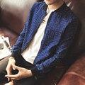 Venta caliente de Los Hombres de Moda Transpirable Fina lavada jeans arrugas Azul Impresión de Calidad en Forma de Capa de la Chaqueta Masculina