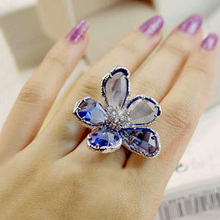 Fashion Romantic Big Blue Cubic Zirconia Super Large Crystals Flower Ring White Gold Color Cool Cocktail Party Women Jewelry