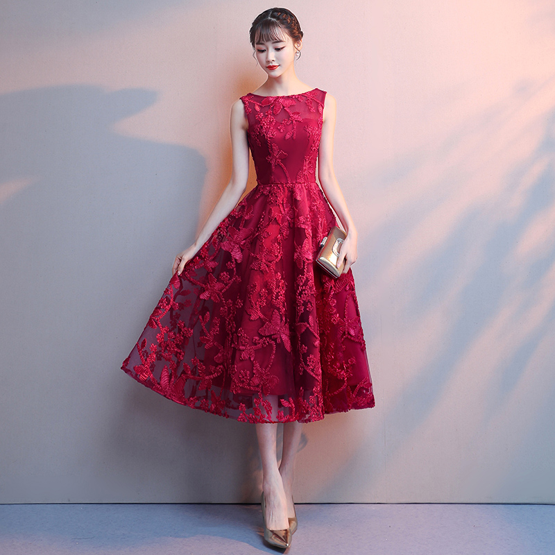 c3e6c32466 Red Lace Prom Dresses 2019 New Boat Neck Sleeveless A-Line Tea-lenth Midi  Evening Dress Elegant Lace Short Party Cocktail Dress