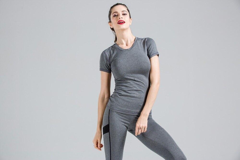 Vente chaude Sport Costumes Pour Femmes Yoga Costume de Sport Gym Courir Fitness Workout Vêtements Femme À Manches Courtes Yoga Ensemble Survêtement