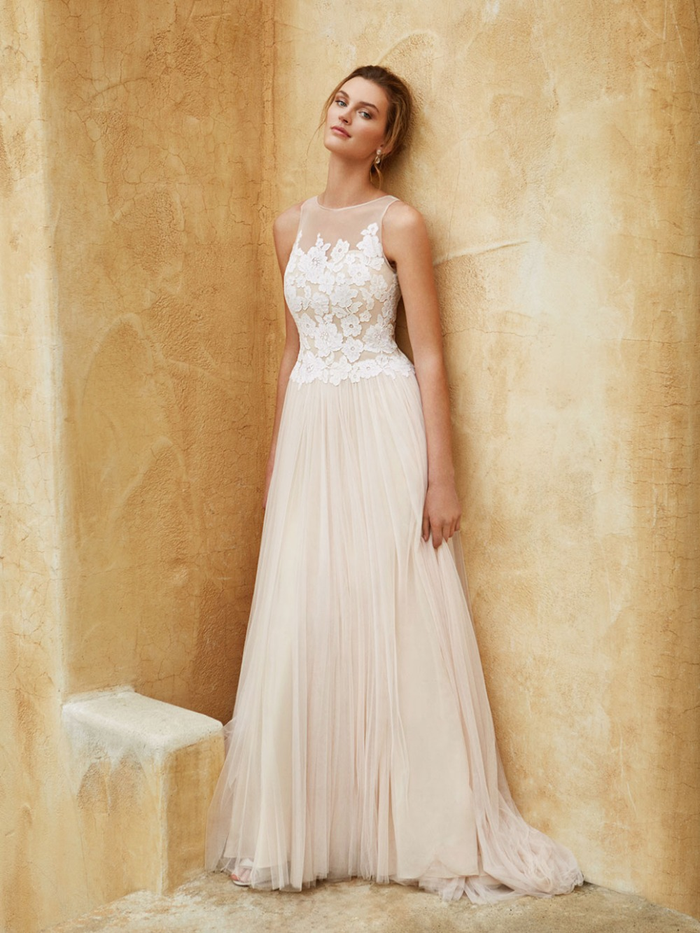 informal lace wedding dresses