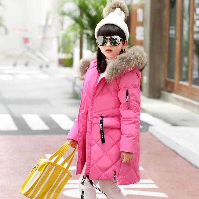0c9d0a629a3 Новинка 2017 года Мех с капюшоном для девочек-подростков зимняя куртка  плотные теплые длинные пуховые пальто для детей Обувь для девочек Зимняя  детская ...