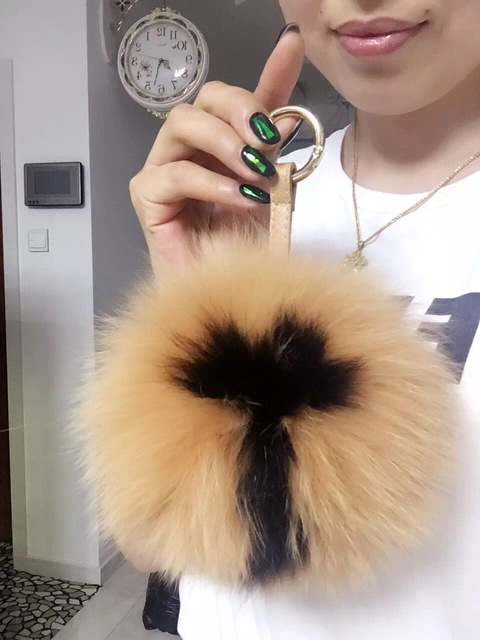 Large Pom pom Keychain Real Fox Fur Key chains Custom Letter Initial Fluffy Key  ring Handbag 77e443242eca