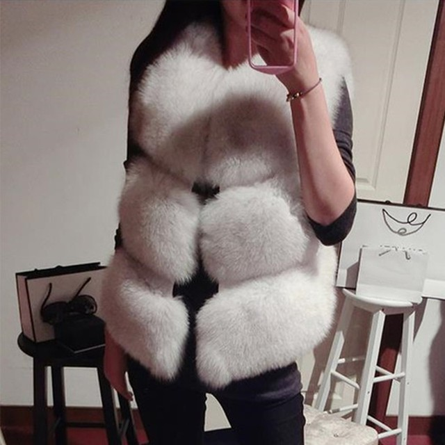 S-3XL New 2019 Autumn Winter Thick Warm Faux Fox Fur Vest Women High Quality Fashion V-Neck Short Fur Coat Female Fur Waistcoat