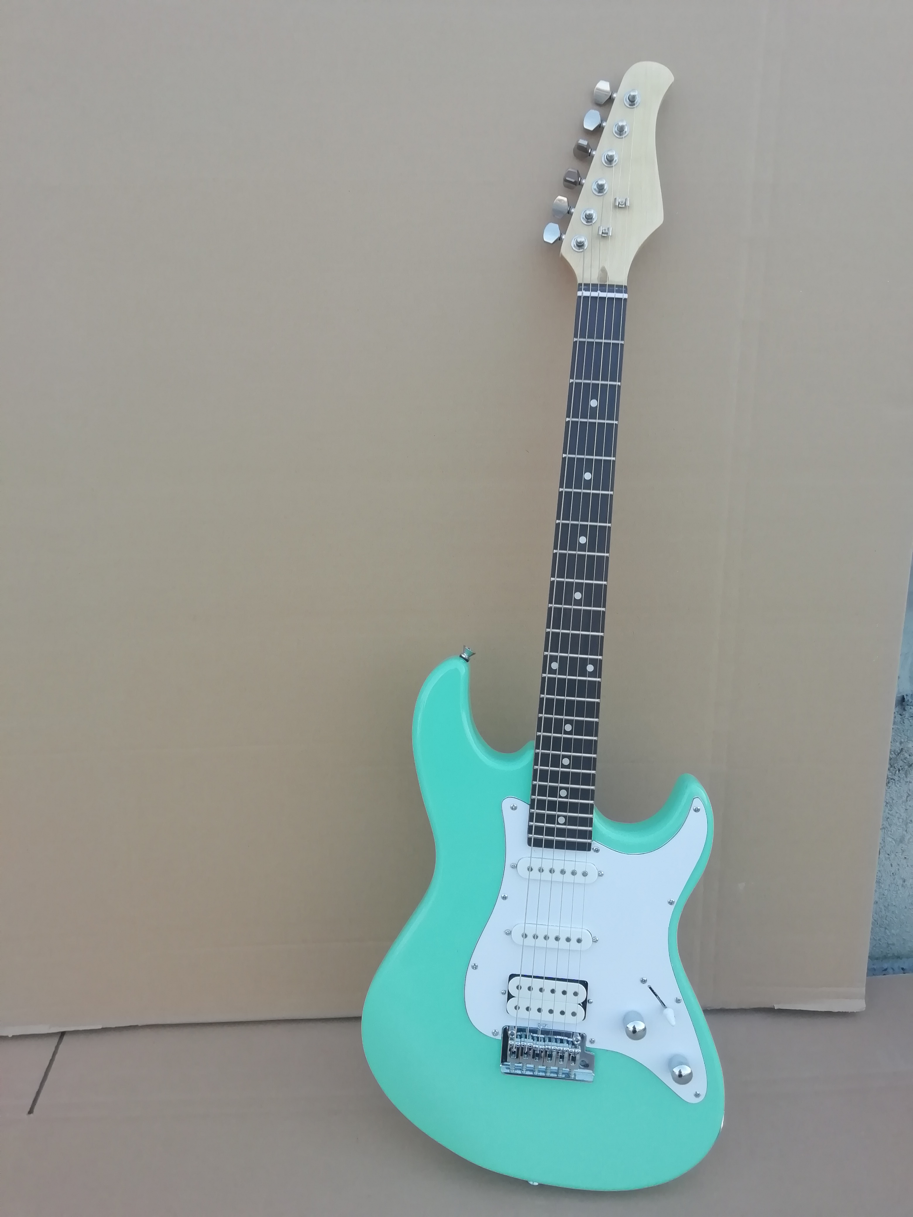 For Improving Blood Circulation Top Quality Gyhp-007 Light Green Color Solid Body With White Plate Rosewood Fretboard Electric Guitar Free Shipping
