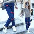 Дети девушки джинсы 2016 осень весна джинсовые синие губы pattern повседневные брюки девочка брюки моды детская одежда горячие продажа