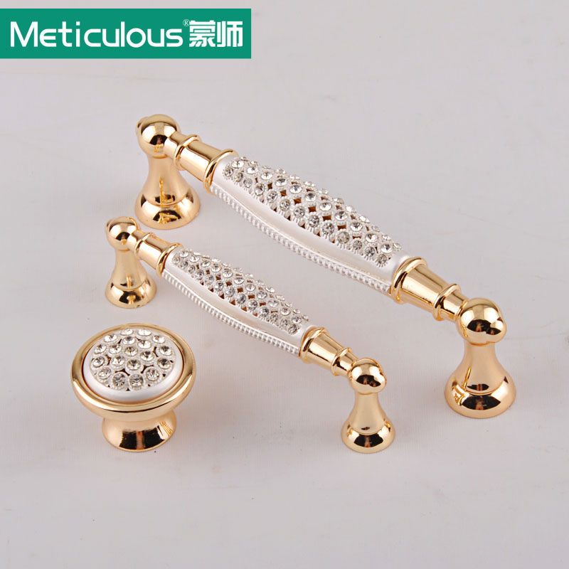 Meticulous Diamond Crystal Furniture Handles Glittering Rhinestone Cabinet Pulls Wardrobe Drawer Door Knobs Polished Gold Pull antique european furniture handles cabinet handle door drawer circular copper