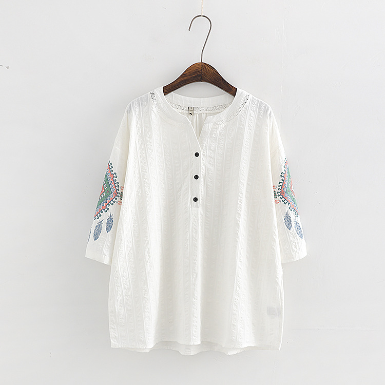 plus size High Quality Embroidery T Shirt Women New Summer Fashion Solid Color Casual large Size cotton Tops Tees Camiseta Mujer