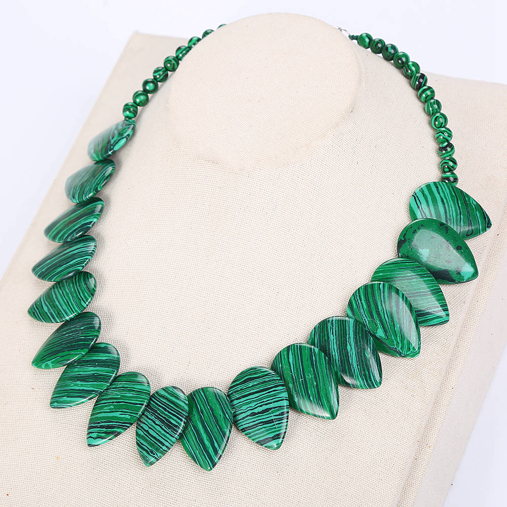 Natural Stone Malachite Crystal Necklace Women Men Pendant Jewelry Bag Obsidian Beads Green Stone Choker Power Pearl Necklace DK цены онлайн