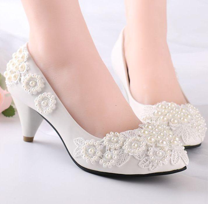 Perles fleur dentelle chaussures de mariage pour femmes lait blanc lumière ivoire femme faible talon haut pompe chaussure dames doux fête chaussures