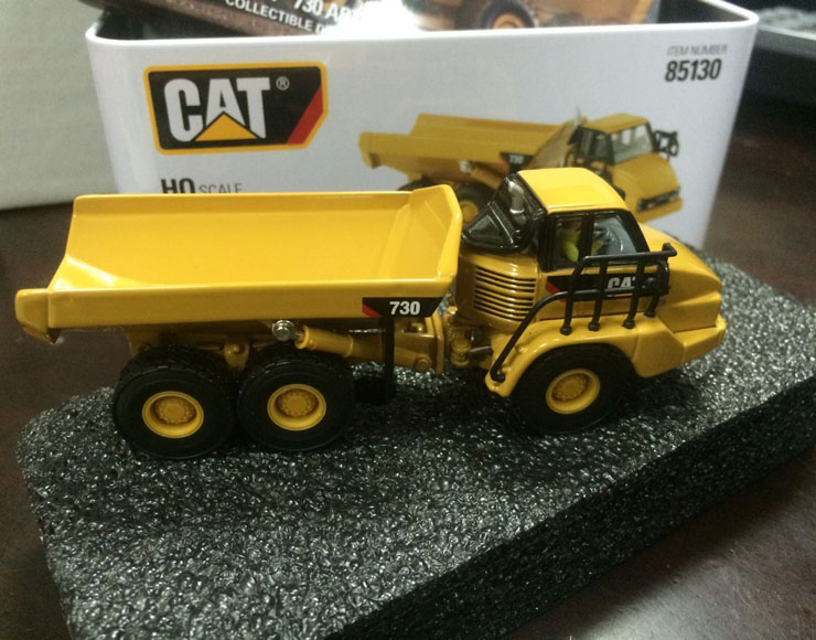 New Packing - DM Model - Cat 730 Articulated Truck HO Scale 1/87 DieCast Construction vehicles 85130