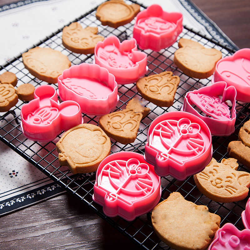Roasting Tool 3D Biscuit Mould Cute Cartoon Animal Plastic Curved Cookie Mold Sugarcraft Chocolate Decorating Plunger Cutter