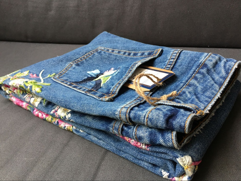 2017 Europe and the United States women's three-dimensional 3D heavy craft bird flowers before and after embroidery high waist Slim straight jeans large code system 46 yards (38)