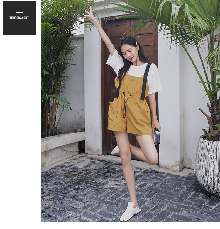 2019 Summer New Loose Short-sleeved T-shirt + Pull Out Big Pocket Suspenders Shorts Set Two-piece Women