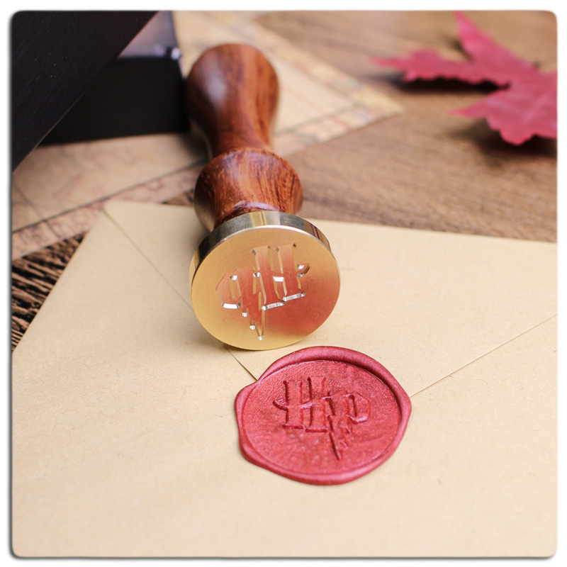 New Arrival 2.5cm Harry Potter Stamp with rosewood handle Воск