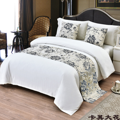 Large Khaki Flowers Bed Table Runner Nordic Countryside Style Small Plum Blossom Bed Flag Hotel  Bedding Decor For Home Wedding