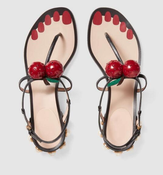 ФОТО 2017 new summer low-heeled pearl cherry clip toe sandals woman cherry low heel Roman sandal