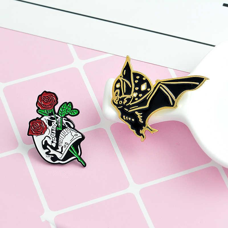 4 sztuk/zestaw nietoperz pszczoła Rose emalia szpilki czaszki ręcznie z kryształową kulą szkielet Pin broszka klapie Punk plecak dżinsy akcesoria