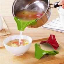 Brand New 11.5*4*3cm Silicone Pour Spout Slip On Mess Free for Pots Pans and Bowls sent in random
