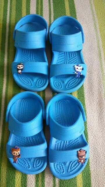 Pikachu 9-24 pçs/lote Tsum Tsum Vingadores Mickey Encantos da Sapata do PVC, sapatos Acessórios Fit Pulseiras Bandas Croc JIBZ Caçoa o Presente