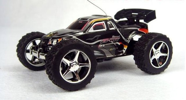 Hottest  !!Free shipping best price  Unique Toys High speed Mini Rc Truck ( 20-30km/hour ) to children
