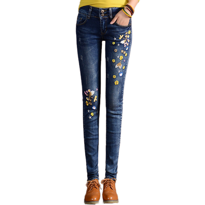 Vintage Flower Embroidery Capris jeans mom women Floral trousers female Denim pencil pants plus size Fashion Brand 2017 spring flower embroidery jeans female blue casual pants capris 2017 spring summer pockets straight jeans women bottom a46