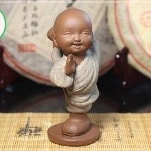 Чайная фигурка для набора Кунг Фу Ча Молодой монах текущих вод и высоких гор(одежда песочного цвета