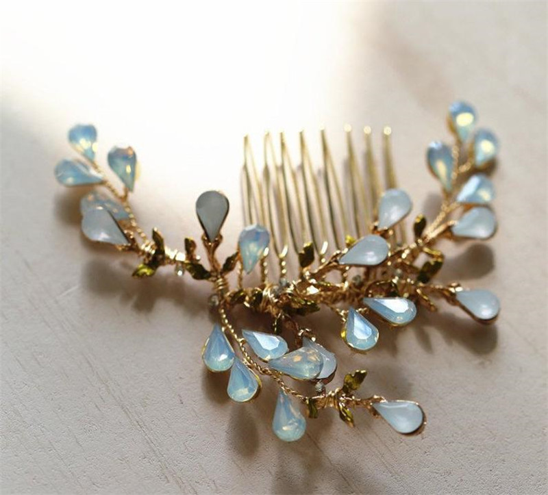 Купить с кэшбэком Gorgeous Wedding Head Pieces Crystal Hair Comb Royal Wedding Jewelry Handmade Hair Pieces for Ladies Rhinestone Head Band HD27