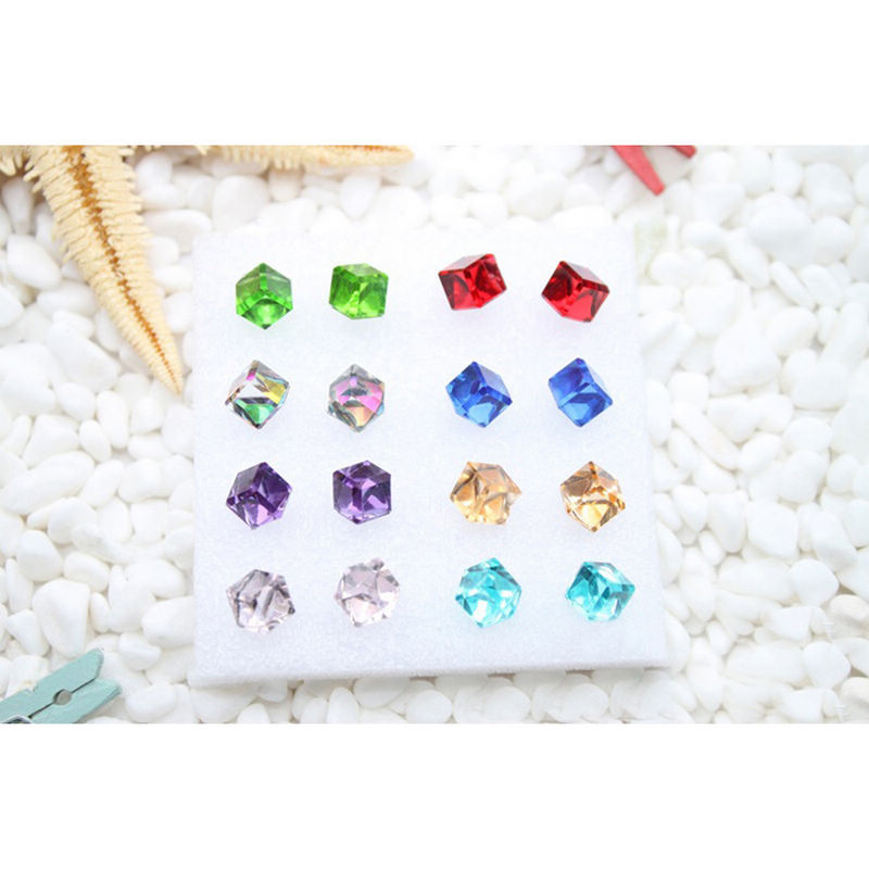 Fashion New Square Crystal Stud Earrings With Stones For Women Rhinestone Earing Girls Wedding Jewelry Gift Female Brinco Bijoux in Stud Earrings from Jewelry Accessories