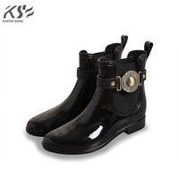 Women Rain Boots Waterproof Ankle Lady Rainboot Luxury Designers Shoes Women Rainwear Pvc Environmental Comfortable Shoes