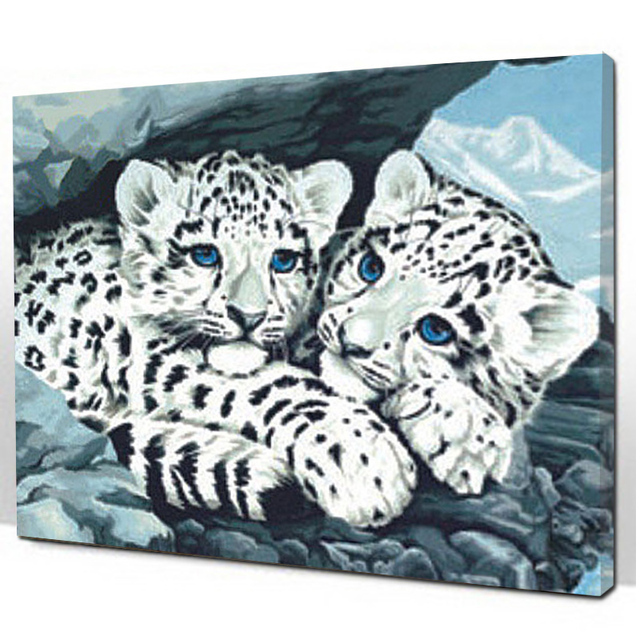 Leopard pictures in home decor
