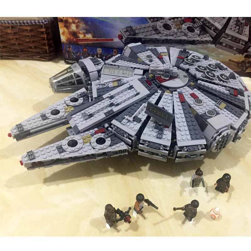 Pogo Gifts Space Ship Millennium Falcon Space Wars Building Blocks Bricks Toys Compatible Wtih Legoe набор 1toy space wars future defender т58795 86681