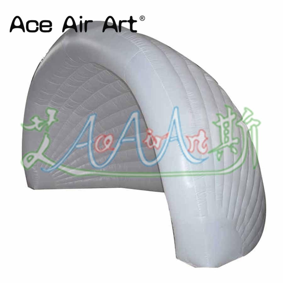 Voûte gonflable promotionnelle chaude de tunnel, tente de dôme de luna de hangar de stationnement avec le ventilateur pour des expositions de voiture