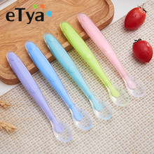 1pc silicone baby spoon Safety feeding dishes Soft Infant Learning spoons kids Tableware for children dinnerware cutlery colher(China)