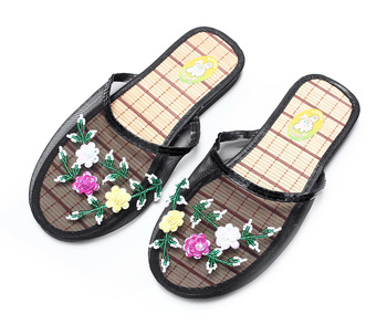 2019 Women Breathable Indoor Slippers Sequin Flower Home Flat Shoes Ladies Summer Hollow Out Mesh Beach Slippers Casual Sandals