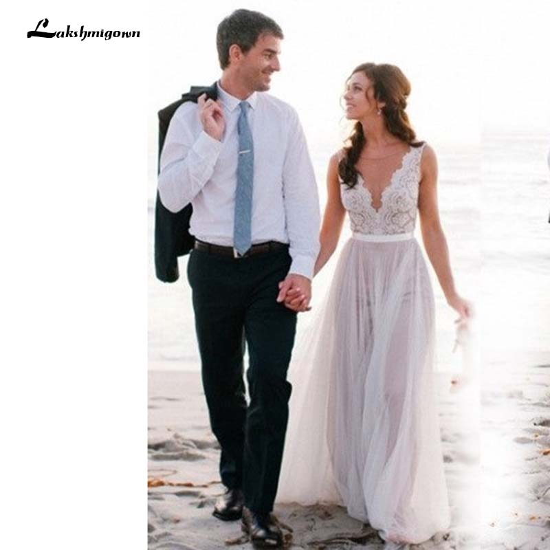 Beach Wedding Dress Illusion Neckline Lace Appliques Flowy Tulle Summer Dresses Bridal Gowns With Buttons