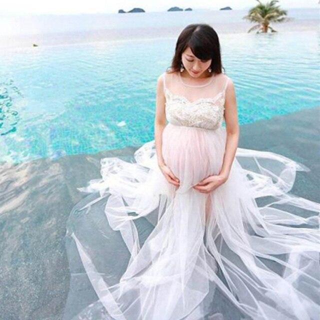 5d4d7a2a1ded Vendita calda Maternità Photography Puntelli Bianco Pizzo Gravidanza  Vestito Lungo Abito Di Maternità per Servizio Fotografico