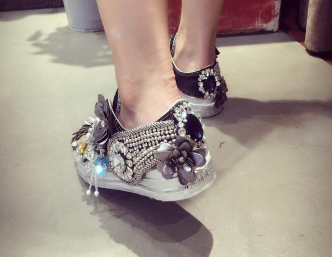 Брендовая повседневная обувь для скейтборда на плоской подошве со стразами и блестками; парусиновая женская обувь с круглым носком - 4