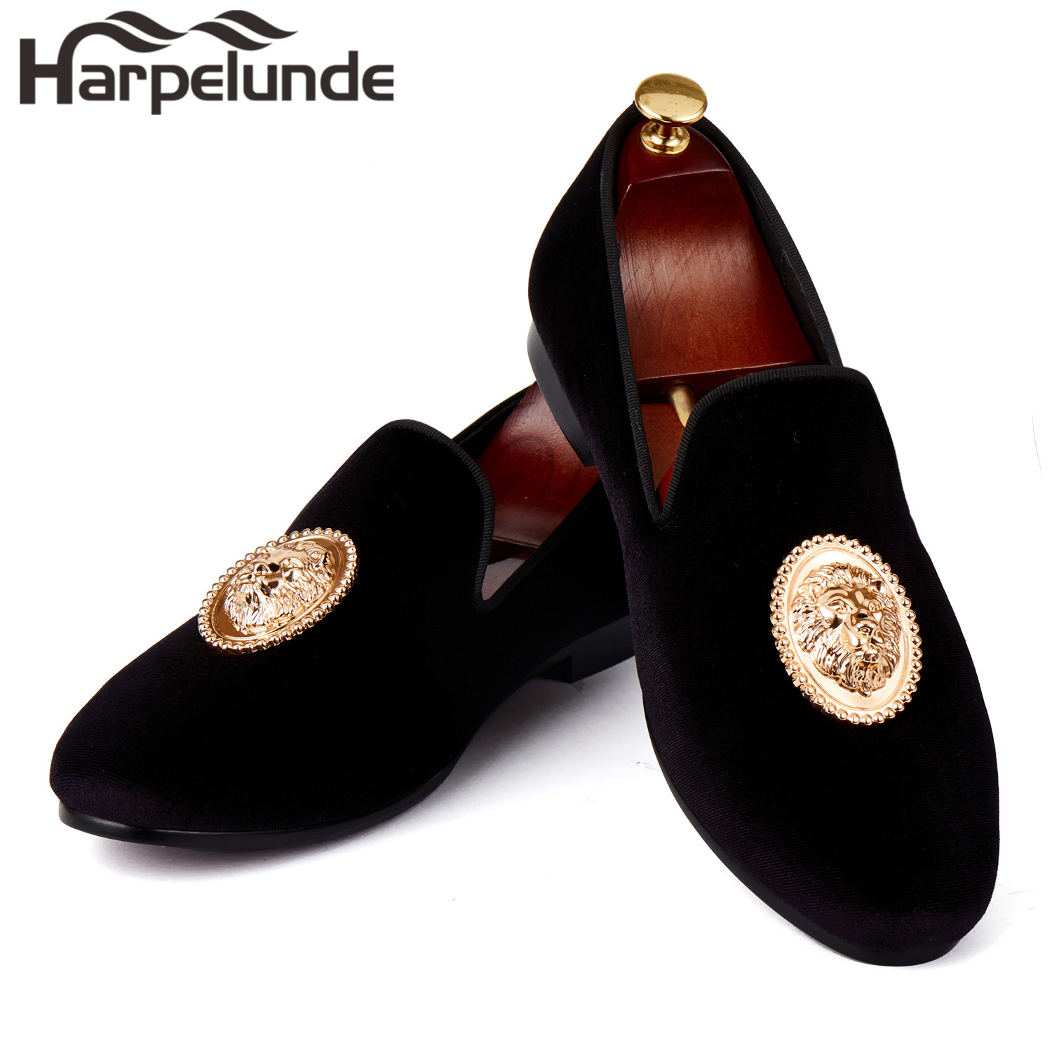 Harpelunde Men Event Skor Lion Buckle Dress Skor Svart Velvet Loafer Tofflor Storlek 6-14