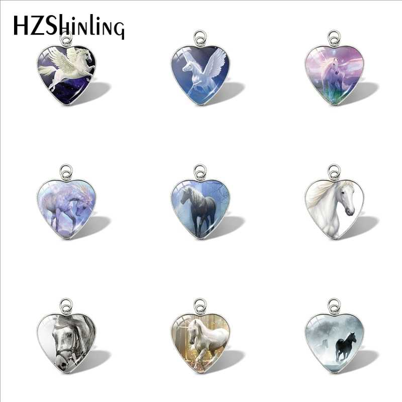 2019 New Horse In Fog Heart Pendant Running Horse Pendants Glass Dome Jewelry Car Ladies Wallet Charms