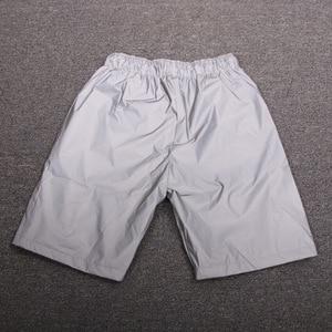 Image 4 - 남성 캐주얼 전체 반사 힙합 반바지 나이트 클럽 댄스 짧은 바지 sportwear 남자 패션 반짝 이는 반바지 버뮤다 masculino 3xl