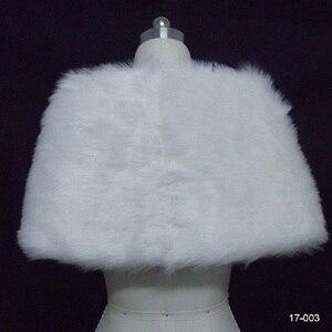 Image 5 - Chaqueta de boda para mujer, chal y chales nupciales, capa de pelo bolero de piel sintética con perlas 2020, accesorios de boda 17003