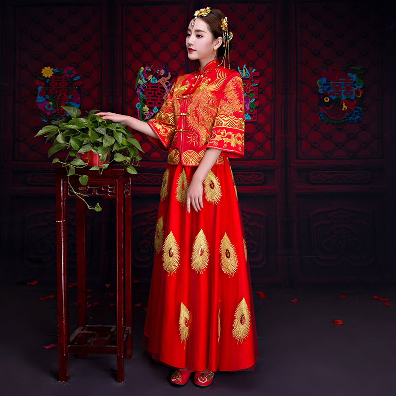 Traditional Chinese Wedding Gown 2018 New Long Sleeves Cheongsam Women Phoenix Embroidery Dress Modern Qipao Dresses Red Qi Pao