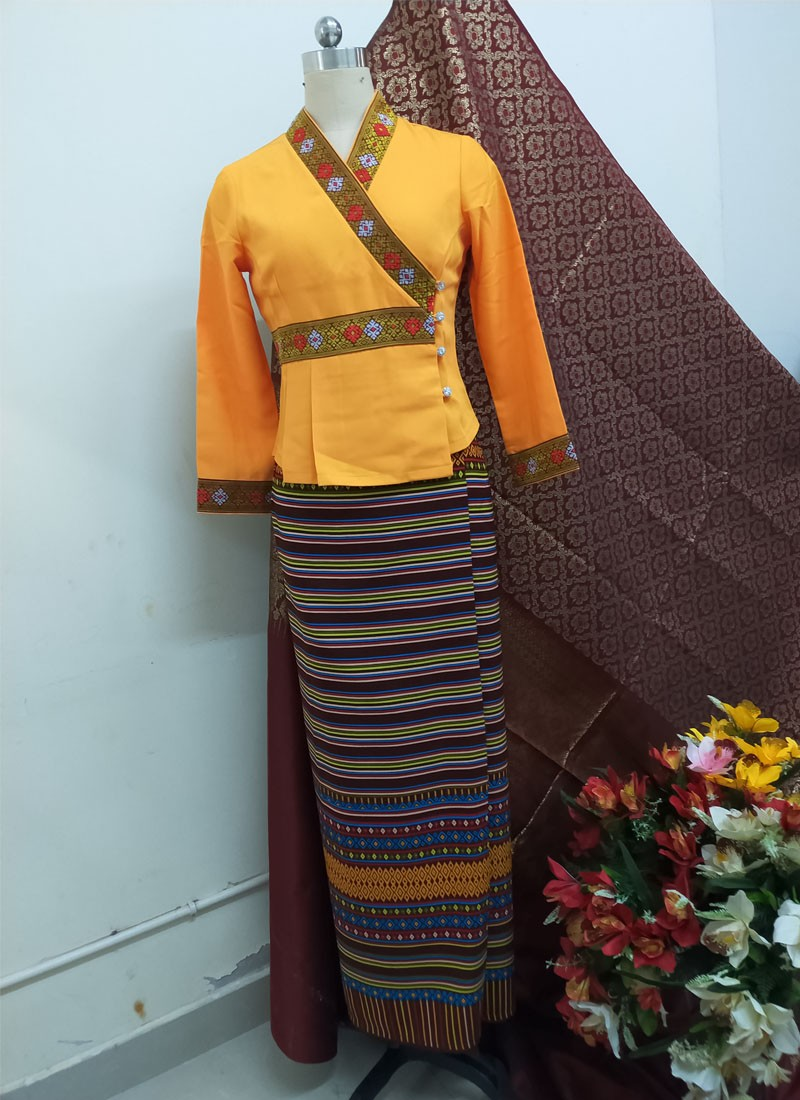 South East Asia Thailand Laos YunNan Hotel uniform Orange yellow long sleeve Top skirt collocation suits men women Special wear 3